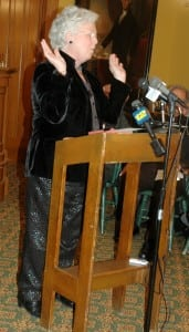 Assemblywoman Sandy Galef makes an emphatic point during a short talk. Photo by L. S. Armstrong