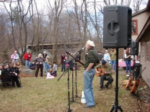 Pete Seeger performing on a previous Maple Syrup Day (Photo courtesy of Little Stony Point)