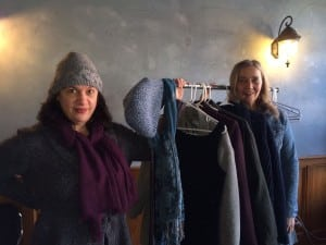 MicheleGedney,left,andKateVikstrom,organizersoftheclothingexchange,wearingsomeoftheirnewitems. (PhotobyMaryAnnEbner)
