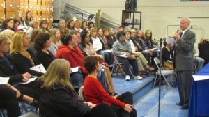 Steve Salomone of Drug Crisis in Our Backyard spoke at the drug forum hosted by the Haldane PTA. (Photo by M. Turton)