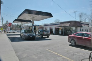 The Gulf station at Foodtown Plaza in Cold Spring (Photo by L.V. Armstrong)