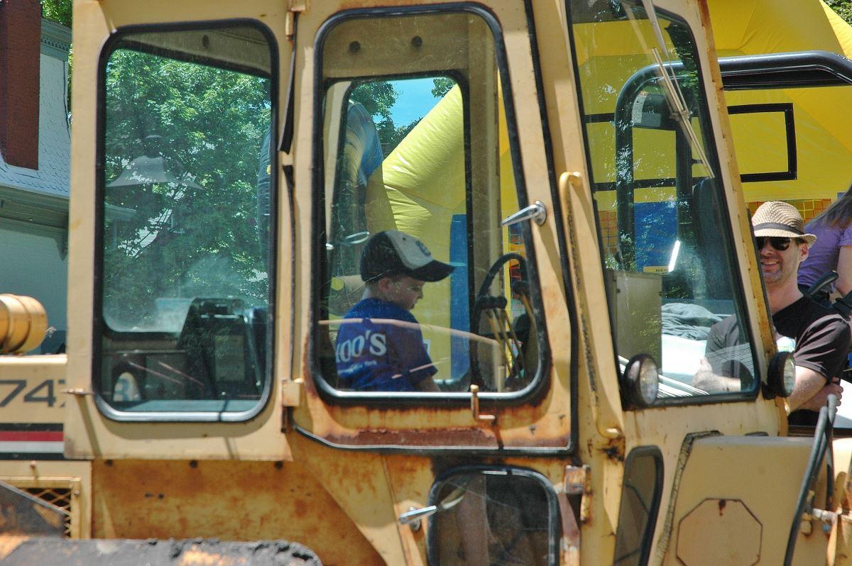 Big Truck Day 2014-truck cab-LSA