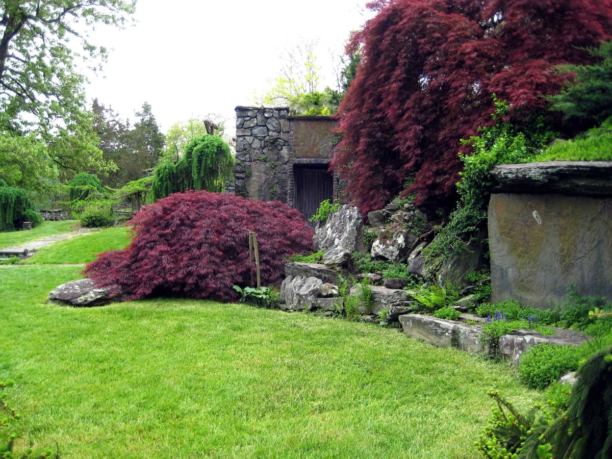 innisfree stone structure photo by kate - Innisfree Garden