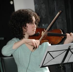 ViolinistSabinaTorosjan