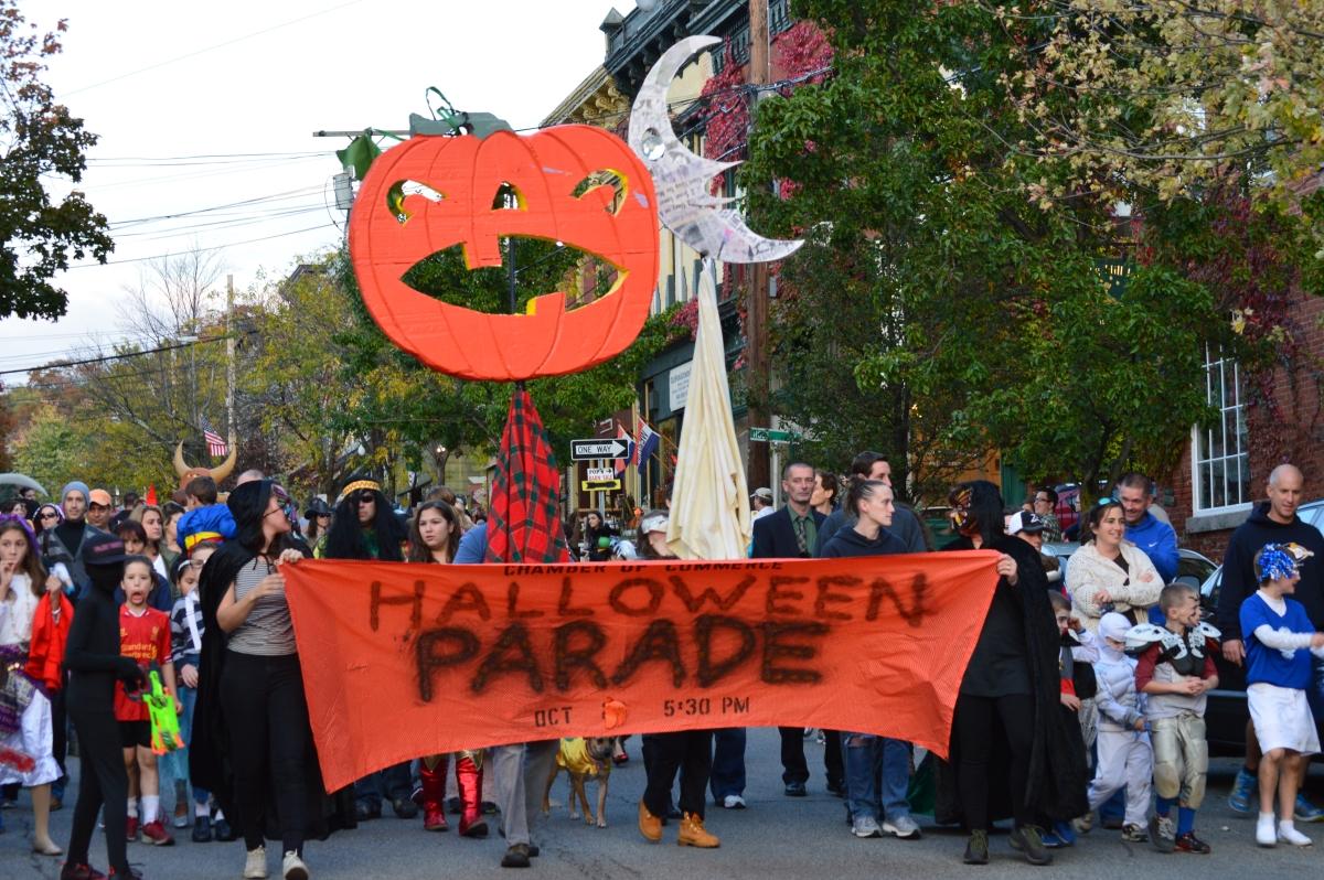 Parade BannerMT