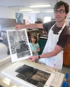 PrintmakerJeffWhitecreatesawoodblockprint.