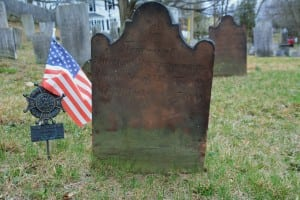 The Mountain Avenue cemetery contains the grave of Revolutionary War veteran Thomas Devenport. (Photo by L.S. Armstrong)