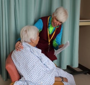 Volunteer Marianne Blume visits a patient.