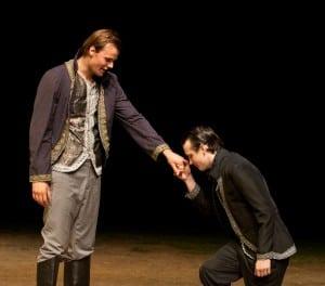 """JackMackie,left,andAlexJohnsonperformintheHudsonValleyShakespeareFestival'stouringproductionof""""Macbeth.""""(PhotobyWilliamMarsh)"""