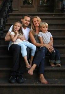 QuinnChandler,hiswife,Shawna,andtheirtwochildren