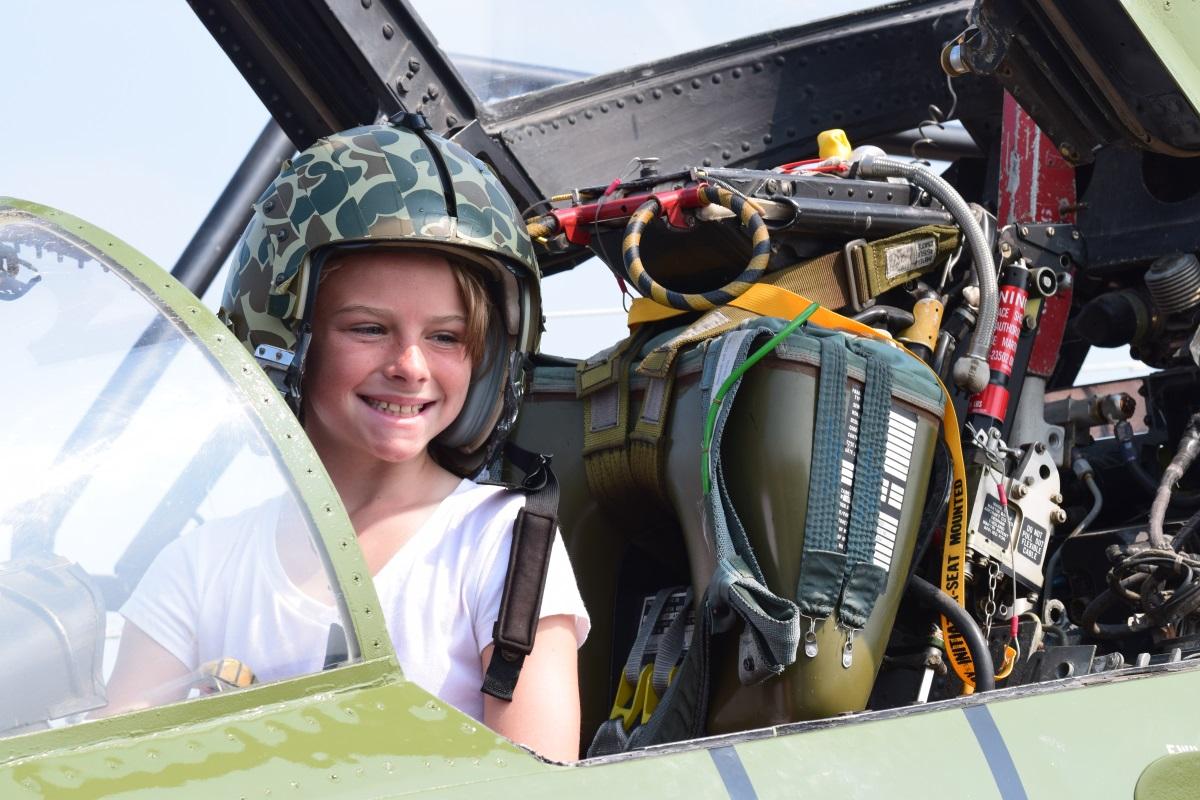 Kid in F-4