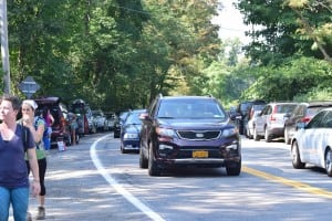 Weekend car and pedestrian traffic near the entrance of Little Stony Point. (Photo by M. Turton)