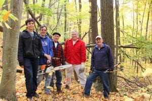 VolunteersroughedoutatrailrouteatWatergrassSanctuaryin2015(photoprovided).