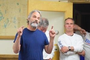 DaveMerandy spokeasaresident,defendingtheplanningboard'srole. (Photo by M. Turton)