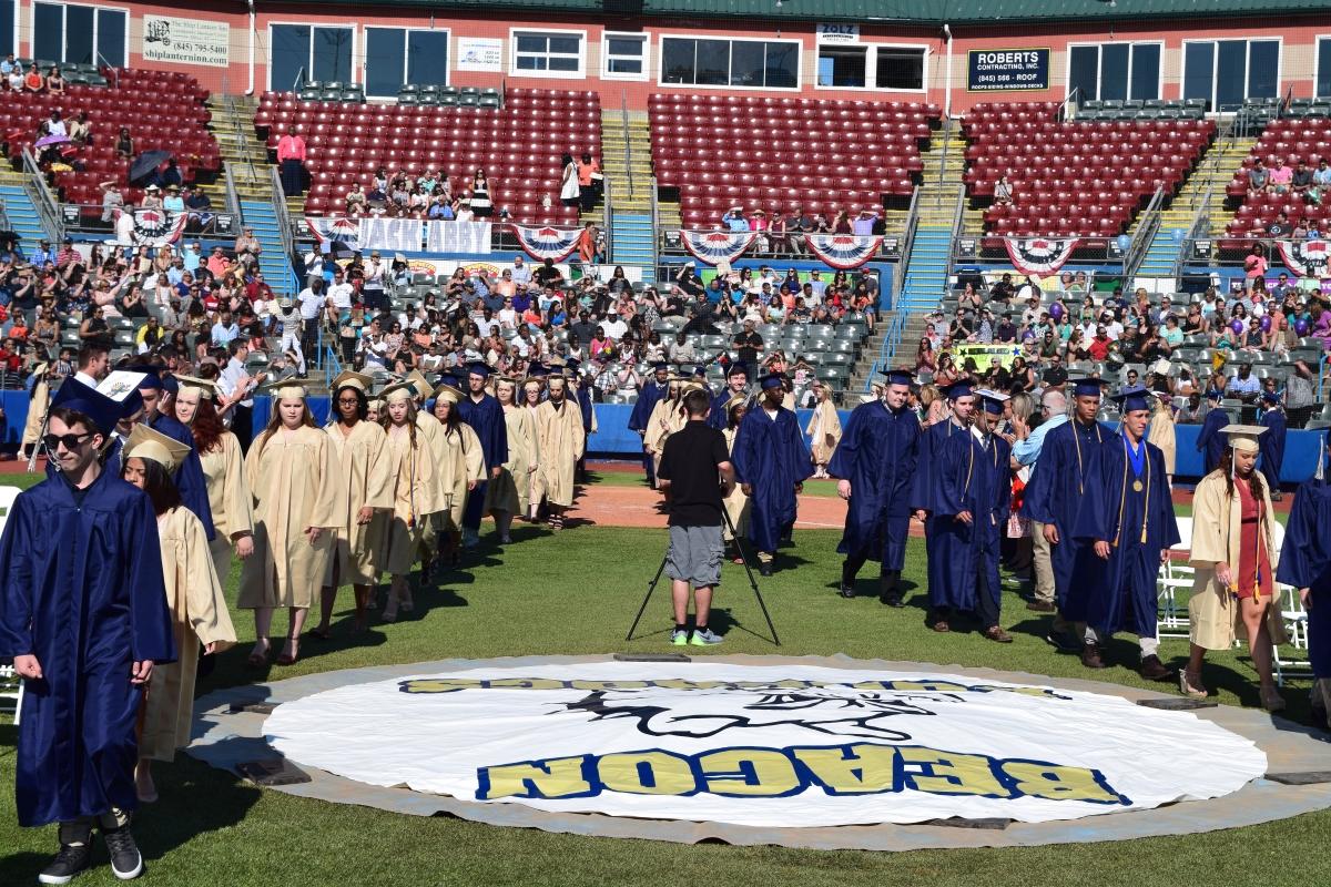 Graduates arrive