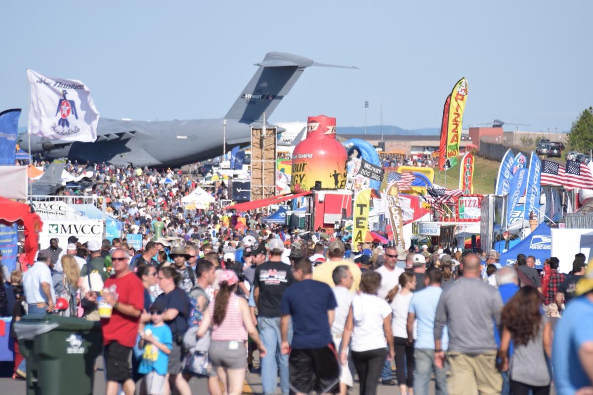 20-air-show-crowd