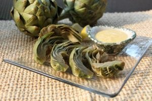 Steamed artichokes with aioli (photos by M.A. Ebner)