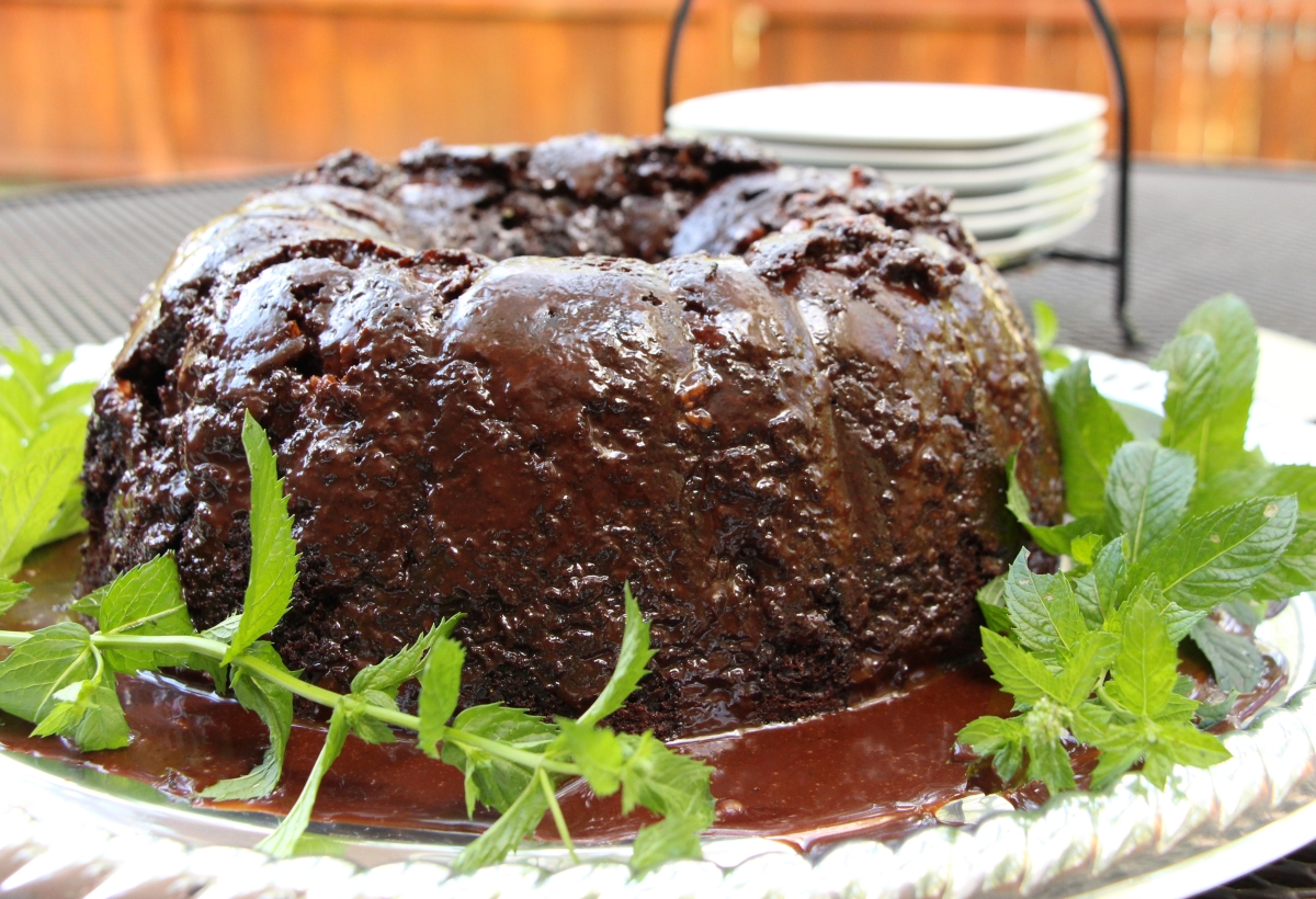 chocolate-cake-with-mint