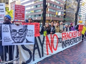 Protestors outside the Manhattan offices of U.S. Sen. Chuck Schumer on Oct. 26. (Photo by Erik McGregor / Resist Spectra)