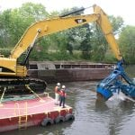 Dredging the Hudson River to remove sediment polluted with PCBs (photo by Ned Sullivan/Scenic Hudson)