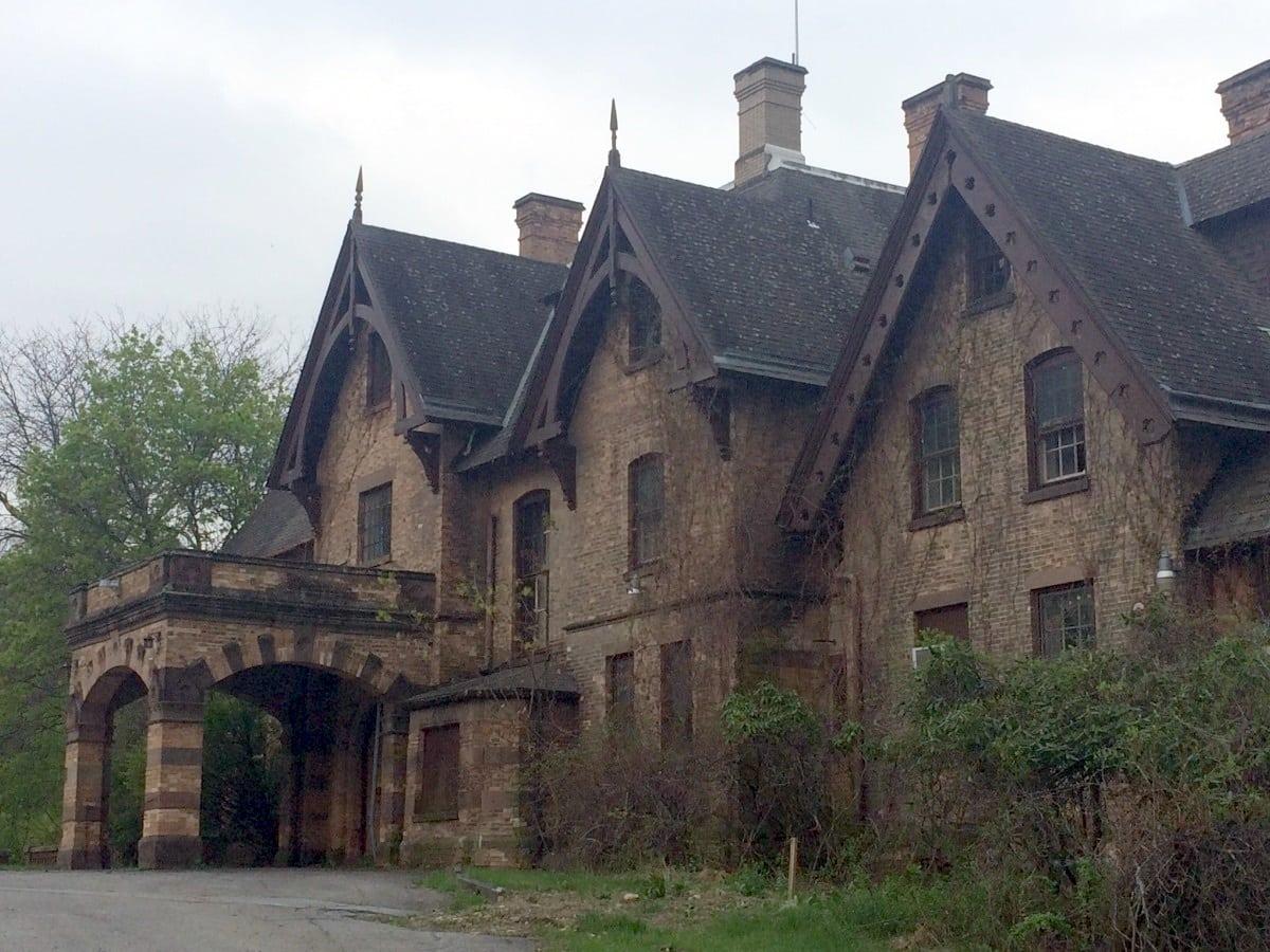 craig-house-exterior