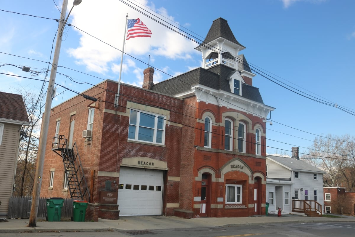 05 Beacon Fire House