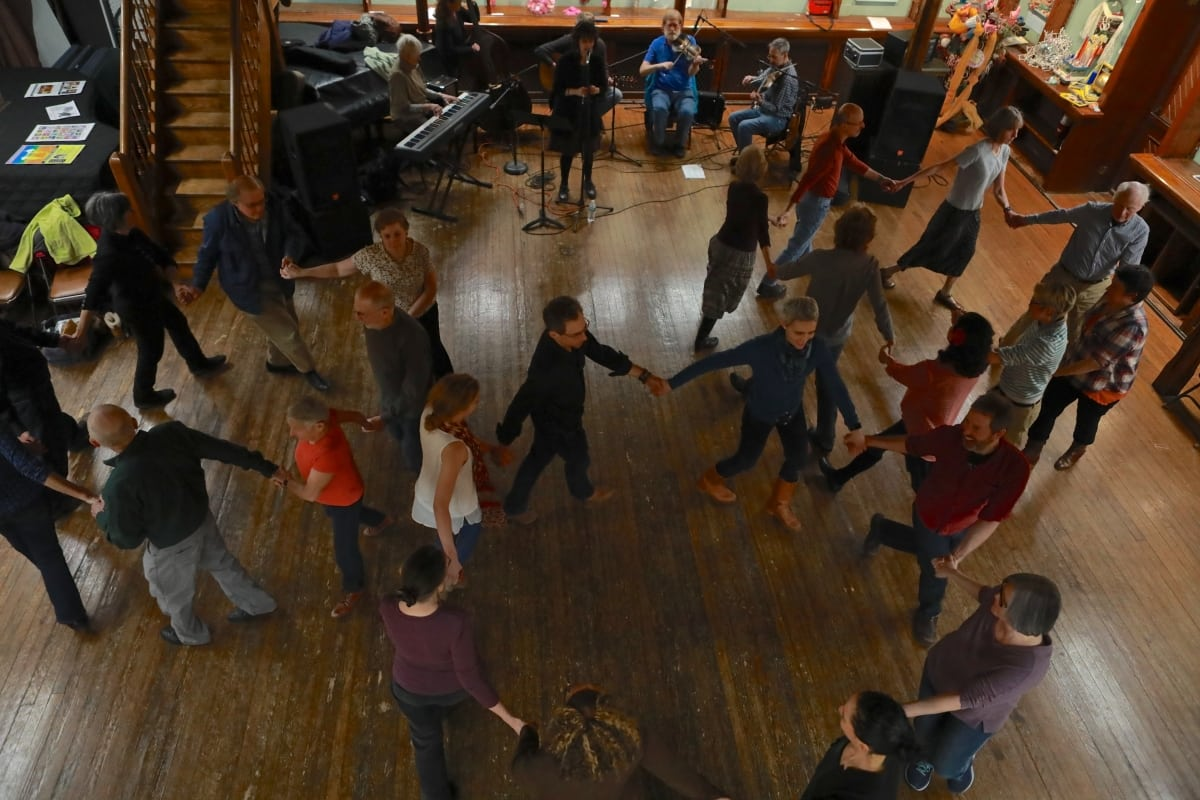 7S1A6216 square dance