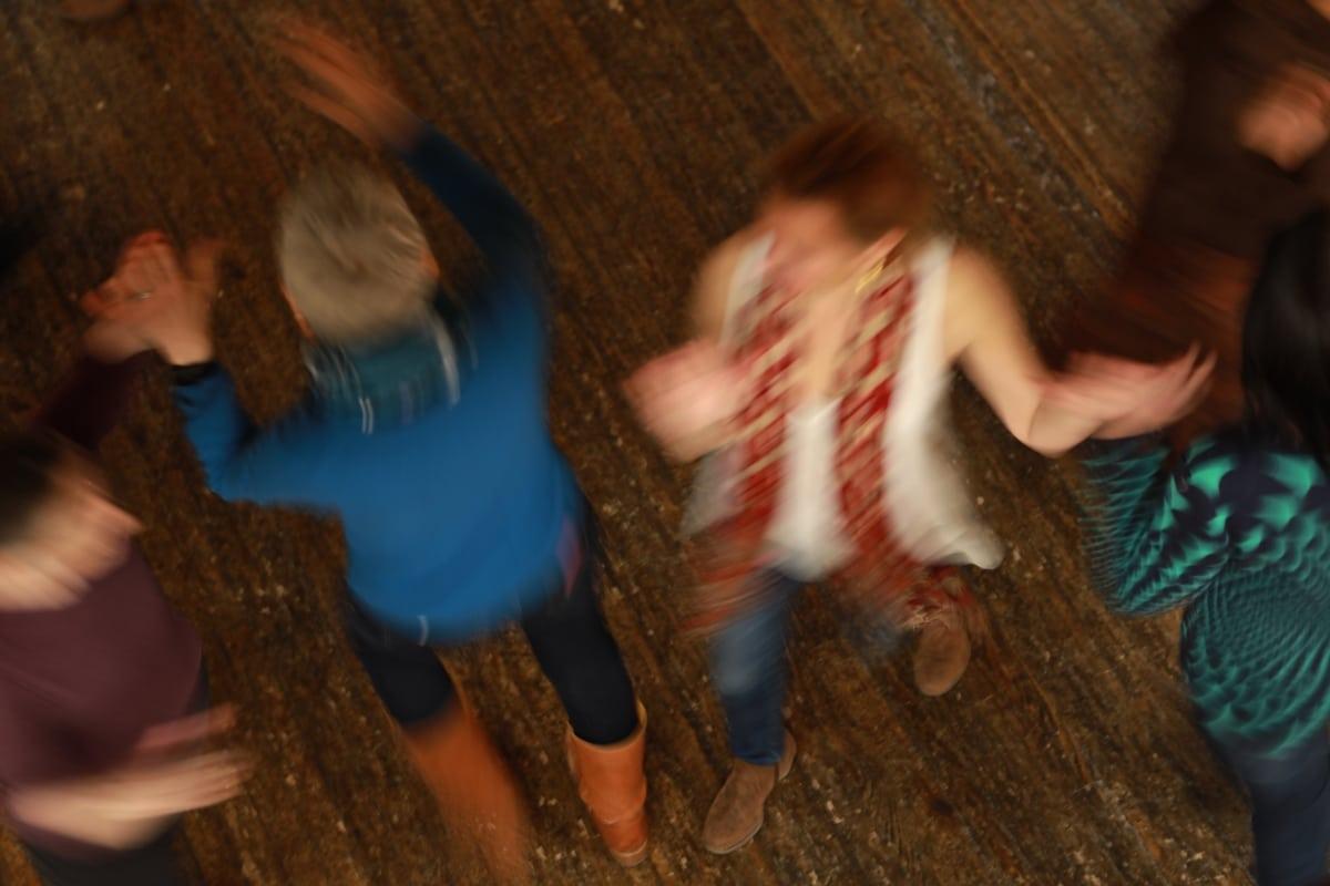 7S1A6233 square dance