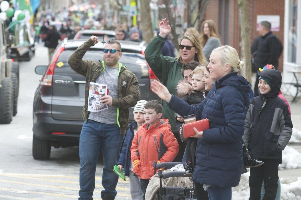 DSC_3296 parade of green beacon