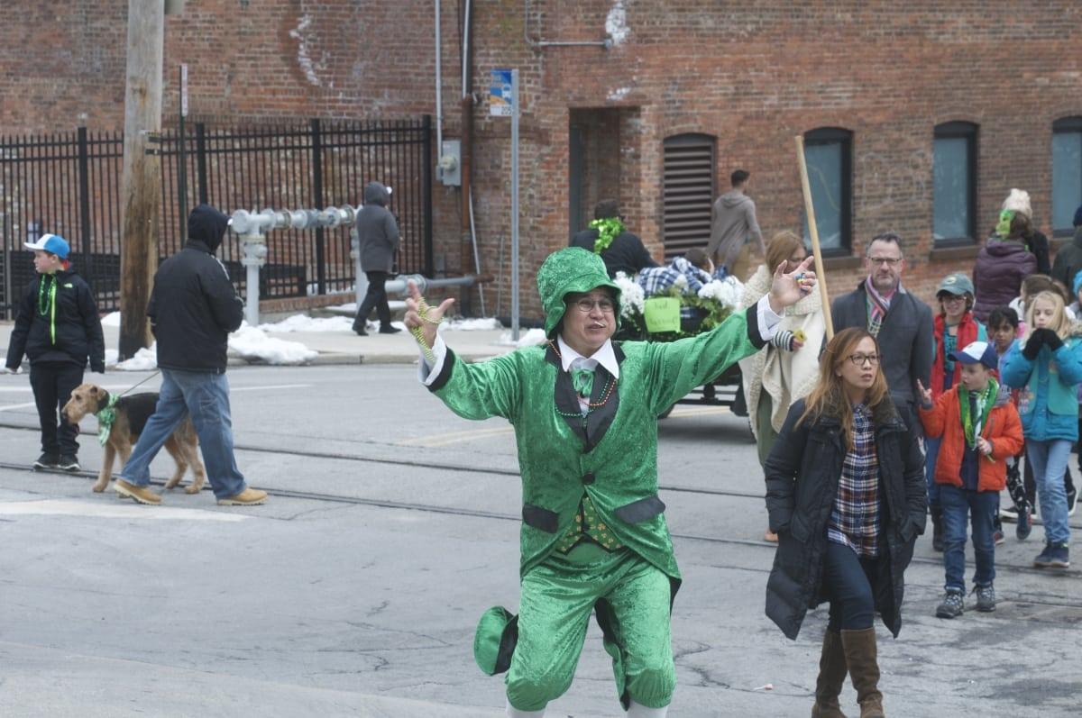 DSC_3360 parade of green beacon
