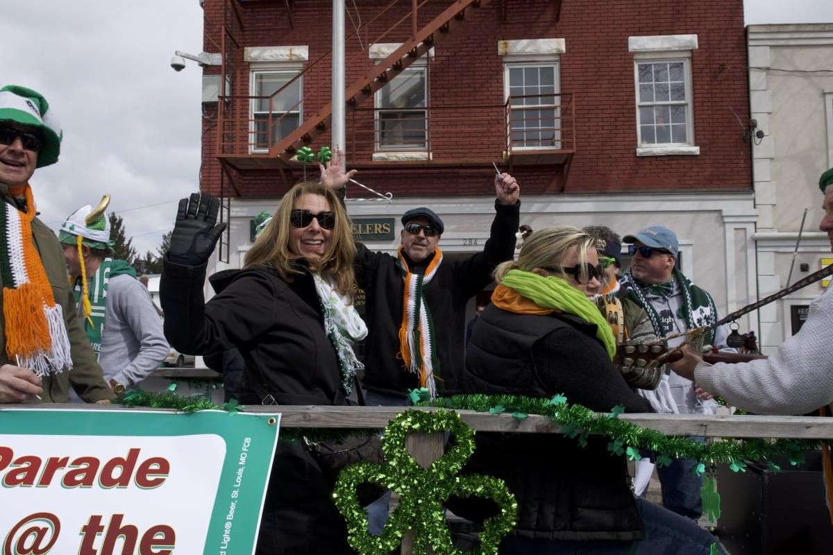 DSC_9124 parade of green beacon
