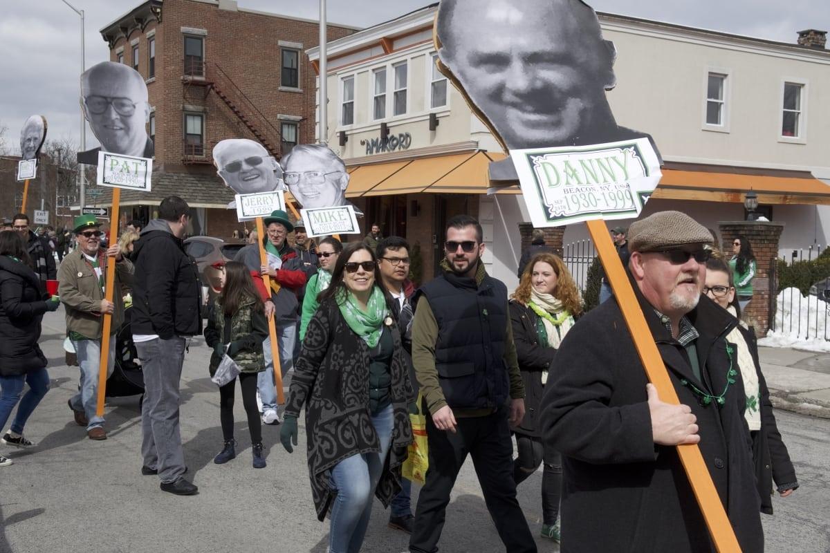 DSC_9130 parade of green beacon