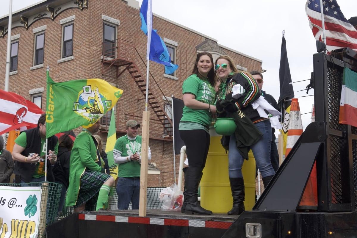 DSC_9139 parade of green beacon