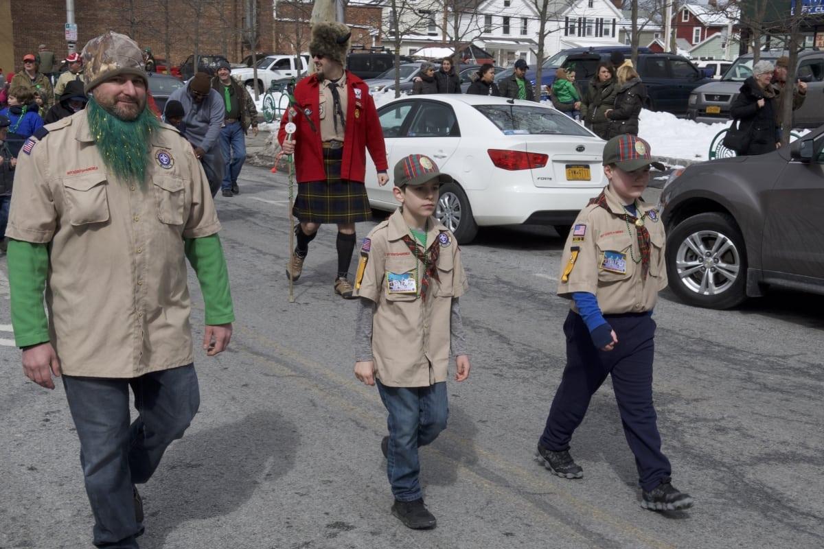 DSC_9147 parade of green beacon