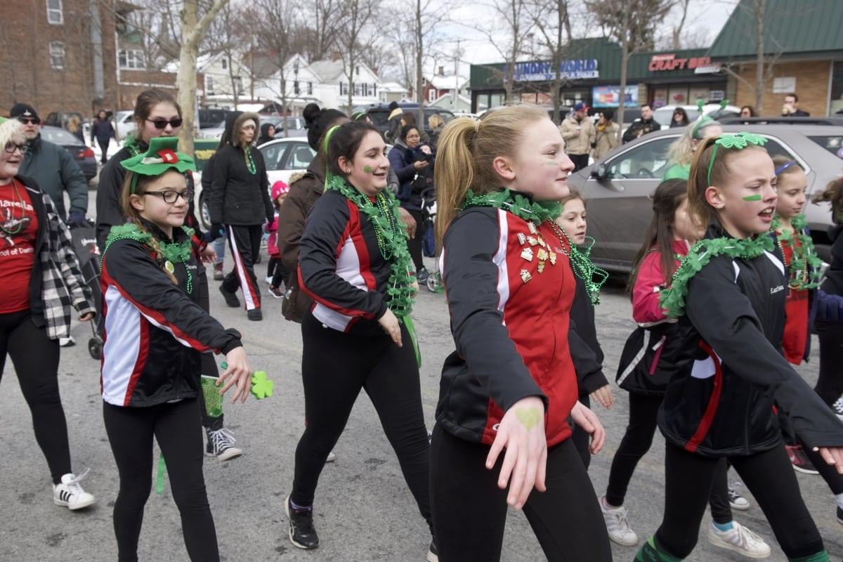 DSC_9153 parade of green beacon