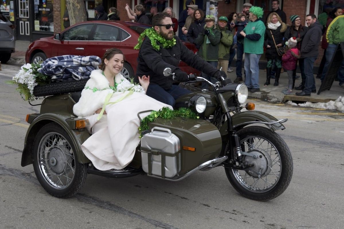 DSC_9162 parade of green beacon
