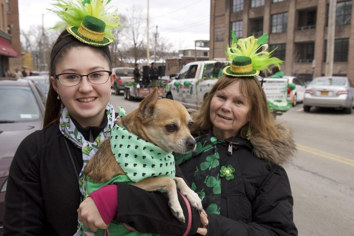 DSC_9188 parade of green beacon