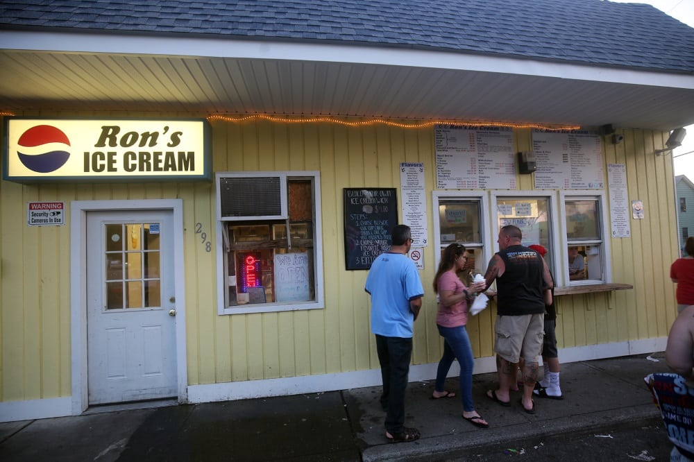 7-1-18 highlands current memorial park Beacon14 ron's ice cream opposite memorial park famous in Beacon2