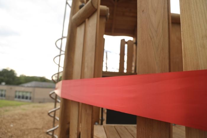 2J0A0537 – Garrison playground