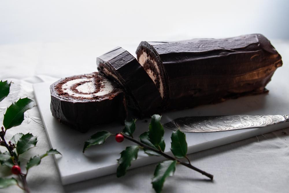Chocolate-Pecan Swiss Roll