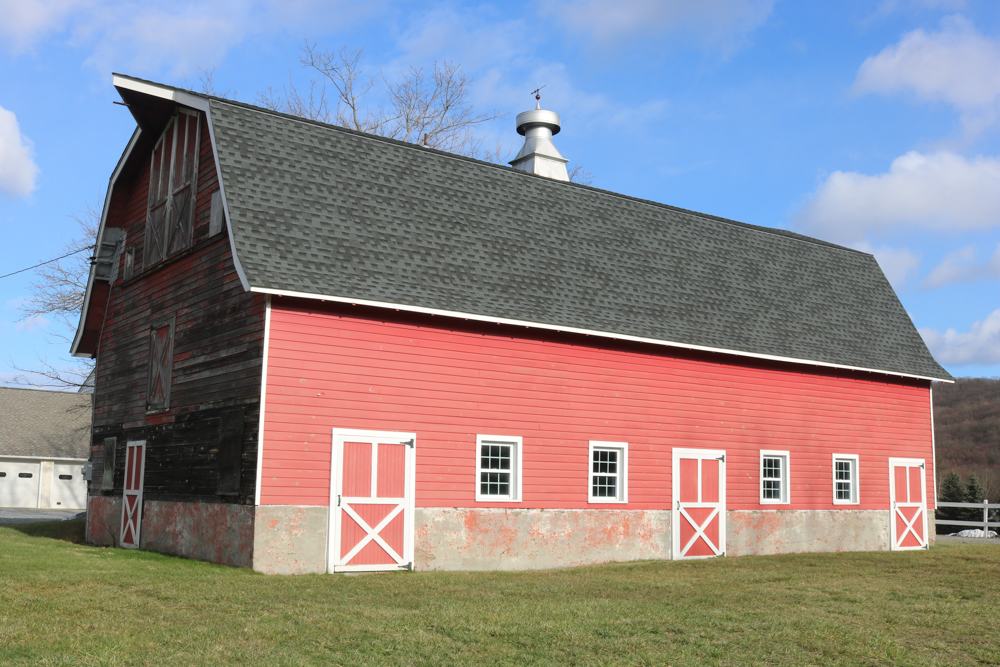 Hustis Dairy Barn