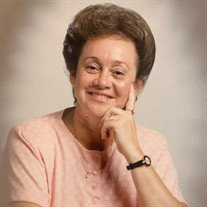 Gladys Viera